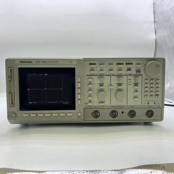 Tektronix/TDS744A